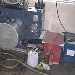 キニー型ポンプ用油水分離器